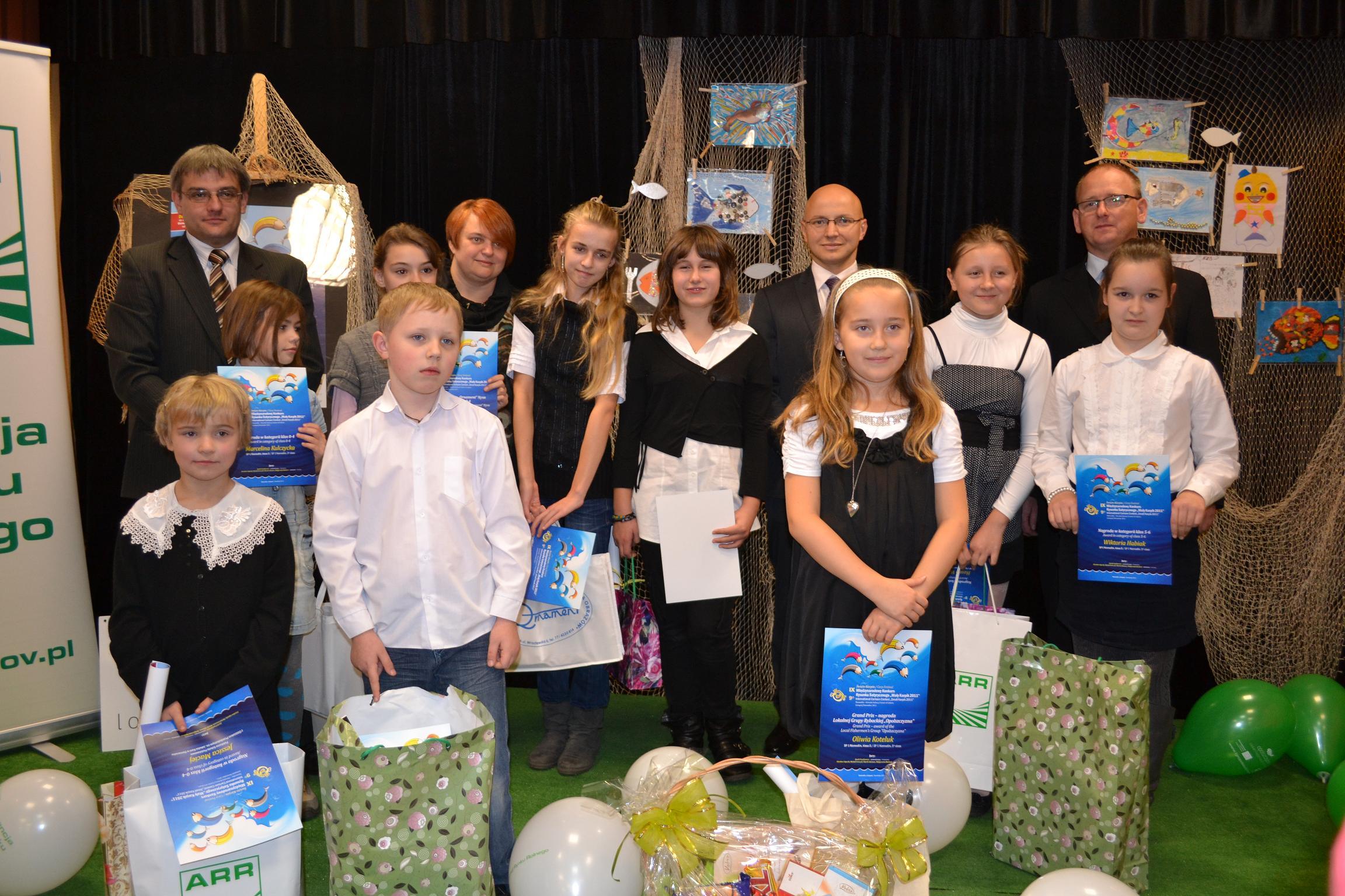 Laureaci, sponsorzy i jurorzy konkursu Mały Karpik