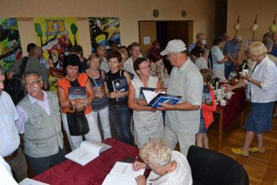 "Galeria Dni Niemodlina 2012: Promocja książki dr Janiny Domskiej ""Monografia Niemodlina"""
