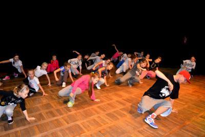 Galeria Mikołajkowe warsztaty hip-hop z Zibim 2014