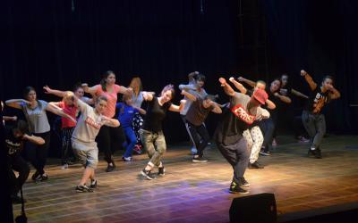 Galeria Mikołajkowe warsztaty hip hop 2016